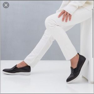 {EVERLANE} The Leather Street Shoe Slip On Black